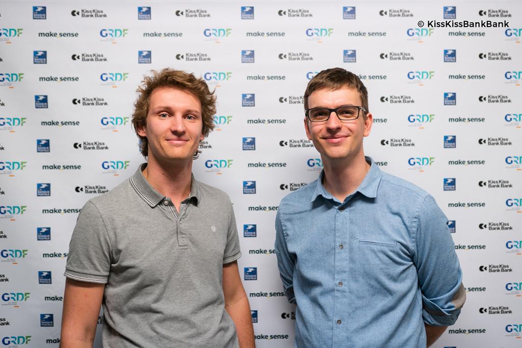 La start-up toulousaine Ilya, créée par Simon Buoro et Antoine Escande, révolutionne la douche et permet une économie de 90% d'eau